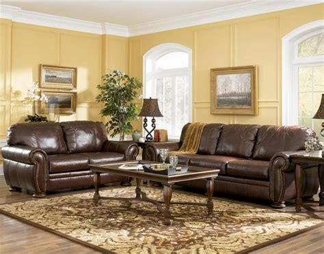 Living Rooms With Brown Couches by 67 Best Living Room With Brown Coach Images On