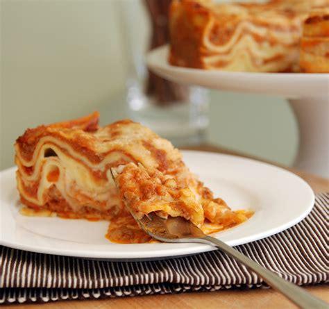 cucina italiana lasagne lasagne alla bolognese recipes dishmaps