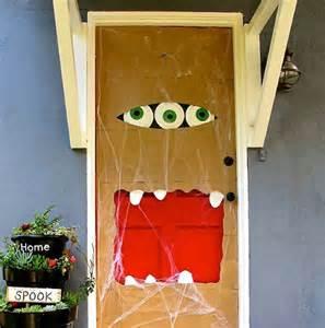 Diy Door Decor Diy Halloween Door Decorations 5 Easy Diy Halloween