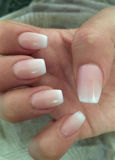 Must Colors For Summers Bare Toes by Best 25 Gel Pedicure Ideas On Toe Nail Color