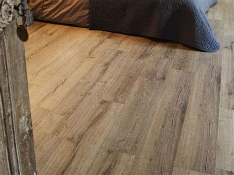pavimenti in linoleum effetto legno oltre 1000 idee su pavimenti in legno rustico su