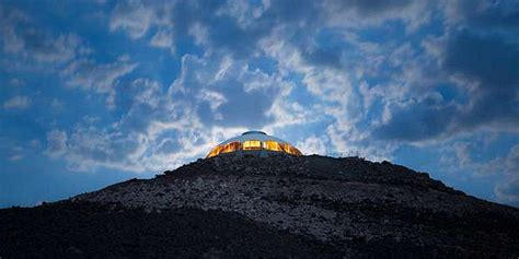 huell howser volcano house huell howser s volcano home is for sale volcano house