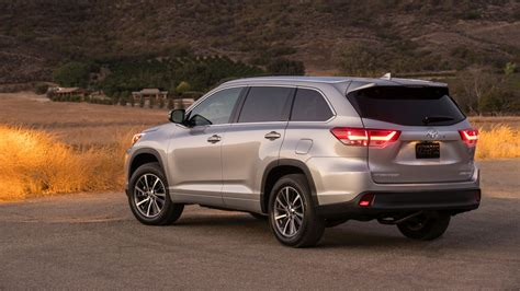 toyota 2017 usa 2017 toyota highlander pictures cars models 2016
