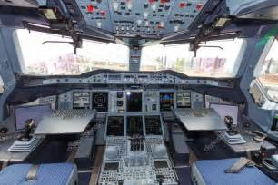 cabine do airbus a380 fotografias de stock 169 vanderwolf