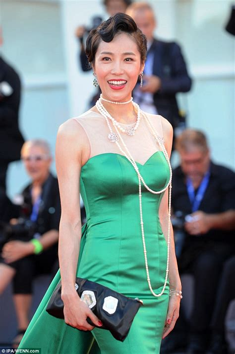 asian actress uk chinese actress liang ke falls in style on the venice film