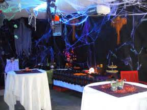 How To Decorate Your House For A Halloween Party The Neat Retreat Taking Halloween To The Extreme Garden