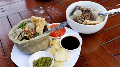 Mangkuk Bakso di bakso knalpot mangkuk baksonya bisa dimakan tribun lung