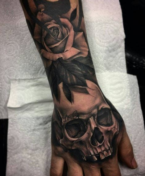 50 best hand tattoos for men and women 2017 tattoosboygirl