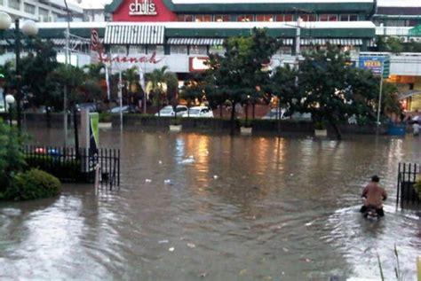 Detiknews Banjir Hari Ini | hari ini jakarta lumpuh oleh banjir republika online