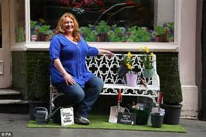 Backyard Tv Show by Dimmock Returns To Spotlight To Promote Bargain