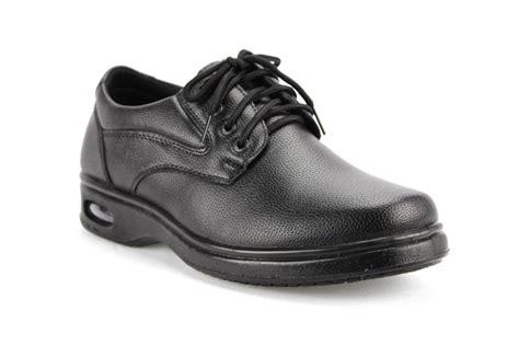 mens black resturant lightweight work shoes non slip