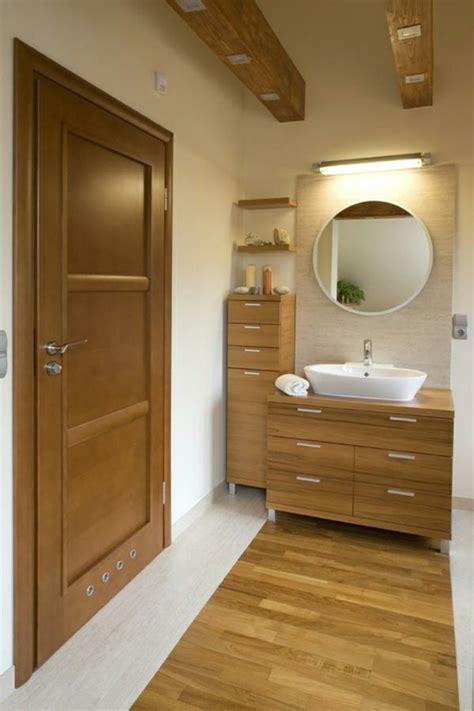 rustikale badezimmerbeleuchtung waschtisch aus holz f 252 r mehr gem 252 tlichkeit im bad