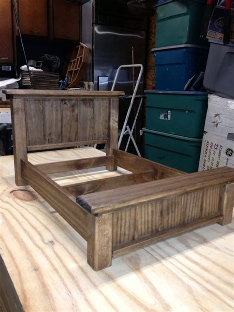 doll bed   pallet wood  angieo