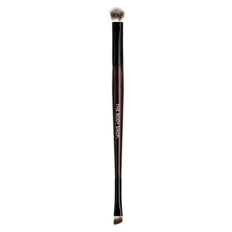 Ended Eye Shadow Brush 8 makeup brushes that are a must in your kit