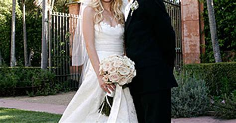 Avril Lavigne On A Stylish Wedding by Avril Lavigne And Deryck Whibley Stunning Wedding