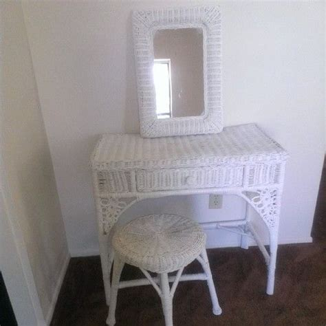Wicker Vanity Set 1000 Images About White Wicker On Pinterest Dining Sets Outdoor Wicker Chairs And Wicker