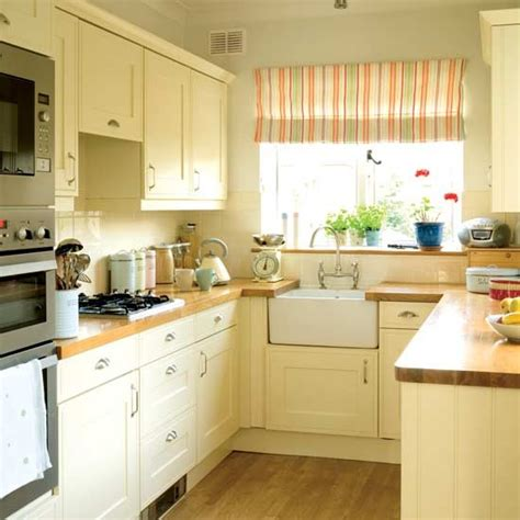pictures of kitchens with cream cabinets warm country kitchen housetohome co uk