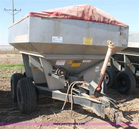 tyler fertilizer spreader  reserve auction