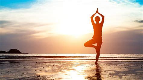 yoga wallpaper for mac wallpaper yoga sunrise morning beach 4k lifestyle 1029
