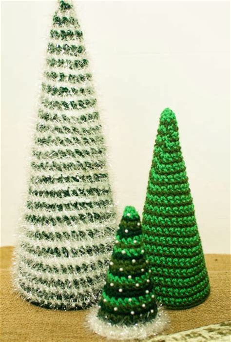 crochet christmas tree pattern uk 40 free christmas crochet patterns crochet arcade