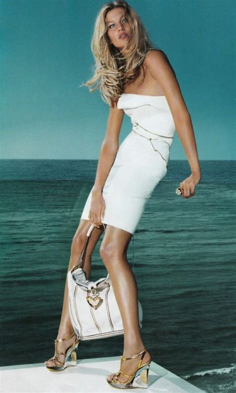 Fab Ad Gisele Bundchen For Versace by Versace Ads Featuring Gisele B 195 188 Ndchen And Kate Moss
