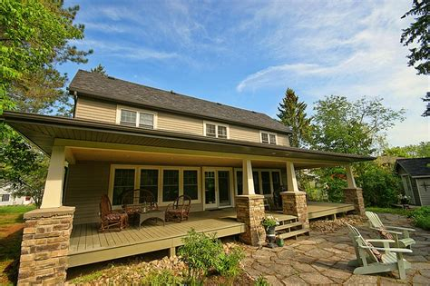 Huntsville Ontario Cottages For Sale sold classic muskoka home for sale in huntsville ontario on the muskoka river between