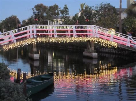 venice canals christmas lights best holiday events for couples in los angeles 171 cbs los