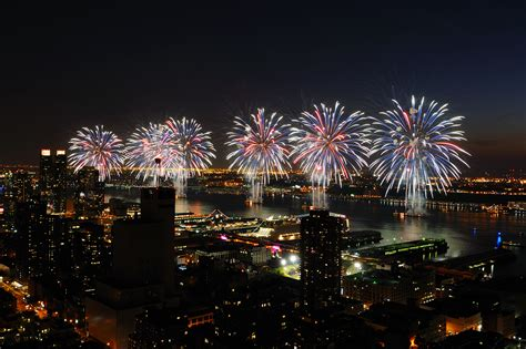 Garden City Ny Fireworks 4th Of July Fireworks Nyc New York Sightseeing