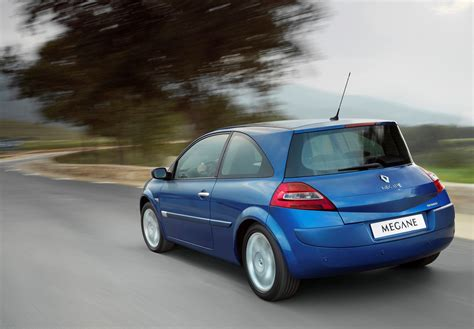 renault hatch renault megane hatchback review 2006 2009 parkers