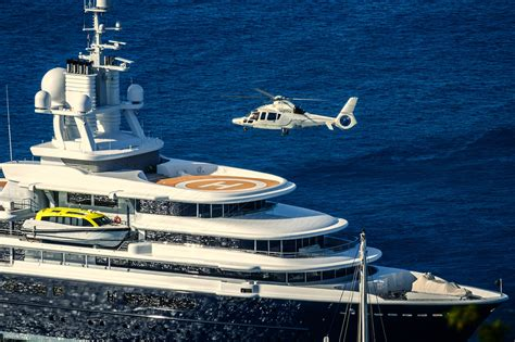 yacht with helicopter luna helicopter landing photo credit muscapix yacht