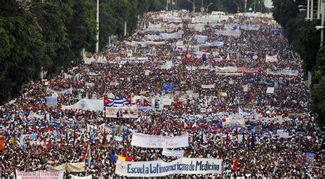 nicols maduro el 1ero de mayo da internacional del trabajador d 237 a de los trabajadores comenz 243 desfile en la habana