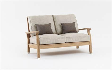 divani due posti piccoli divano legno due posti idee per il design della casa
