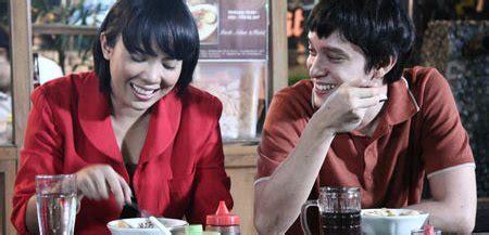 berlian si etty 2013 film lucu indonesia review berlian si etty 2013 at the movies