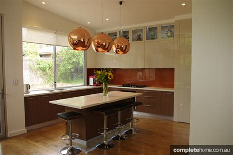 warm and fresh kitchen completehome a cozy kitchen design with artful flare completehome