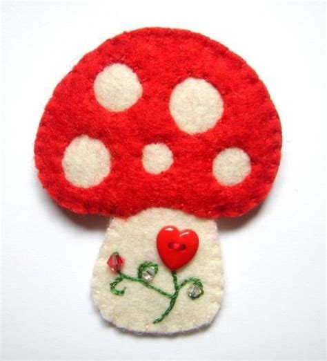 felt toadstool pattern 1130 best make with felt images on pinterest
