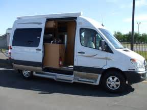 Rv buying 101 which type of rv is best a motorhome or a 5th wheel
