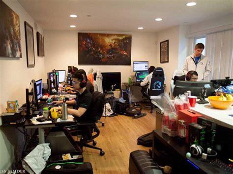 gambling house inside team liquid s league of legends gaming house business insider