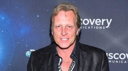 capt sig hansen responds to qa on heart attack deadliest catch star sig hansen rushed to hospital after