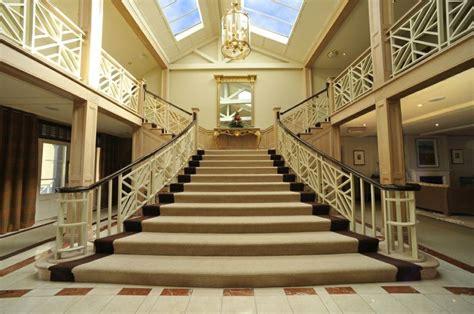 elegant staircases elegant staircase escaliers pinterest