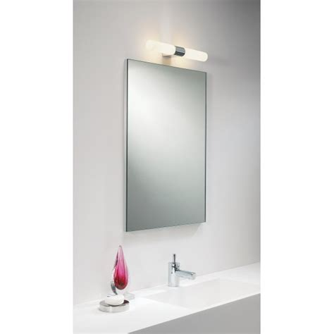 Ip44 Double Insulated Bathroom Wall Light For Using Over A Bathroom Mirror Light