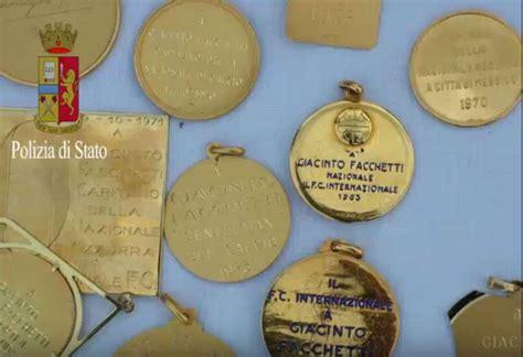 banca popolare di castano primo le medaglie di giacinto facchetti recuperate nell auto dei