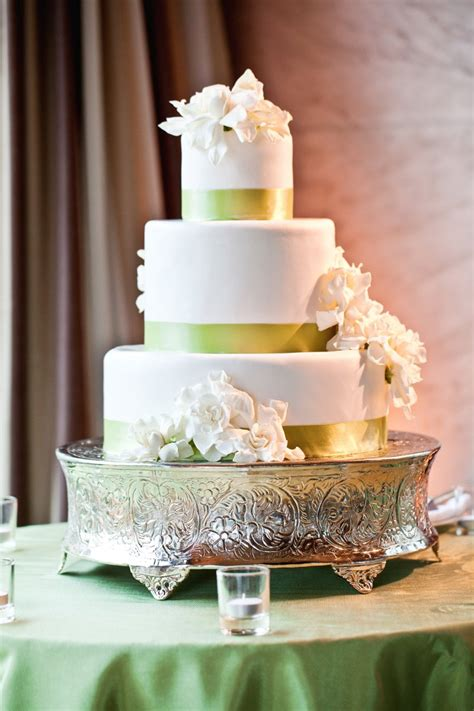Weddingwire Song List by Green Wedding Cakes Wedding Cakes Photos By Volatile