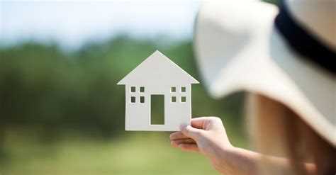 a quarter of canadian home buyers plan to buy alone survey