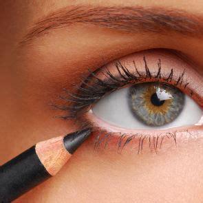 Eyeliner Almira beaut 233 tounsia 4ever