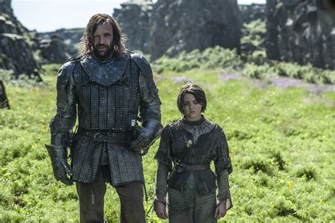arya the arya stark and sandor clegane arya stark photo 37136596 fanpop