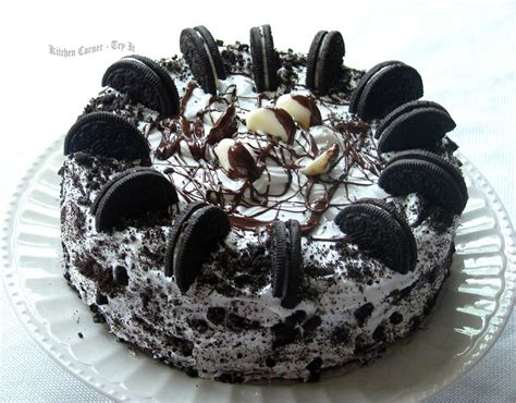 How To Decorate A Birthday Cake At Home by Oreo Cookie Cake