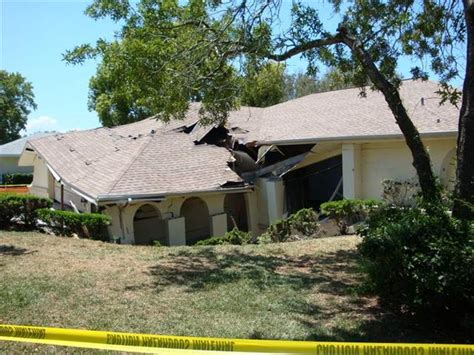 house to buy in florida 101 unrepaired sinkhole home buyer sinkhole symptoms causes and repair solutions