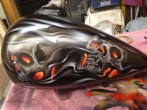 skulls on tank justairbrush