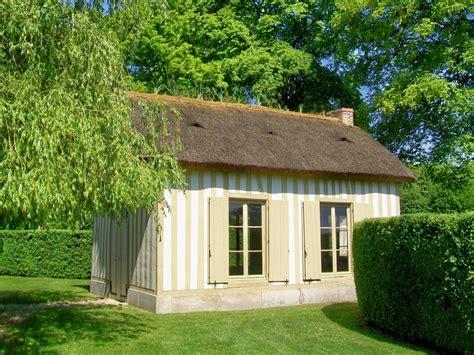 maison jardin file ch 226 teau de chantilly jardin anglo chinois le hameau une maison 2 jpg wikimedia commons