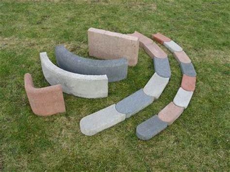 Rasenkantensteine Beton Gewicht by Basamentwerke B 246 Cke Gmbh Tiefbordsteine Randsteine